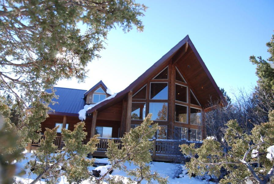 Chalet Vacation Rental In Bryce Canyon National Park From Vrbo Com Vacation Rental Travel Vrbo With Images Chalet Cabin Vacation Condos