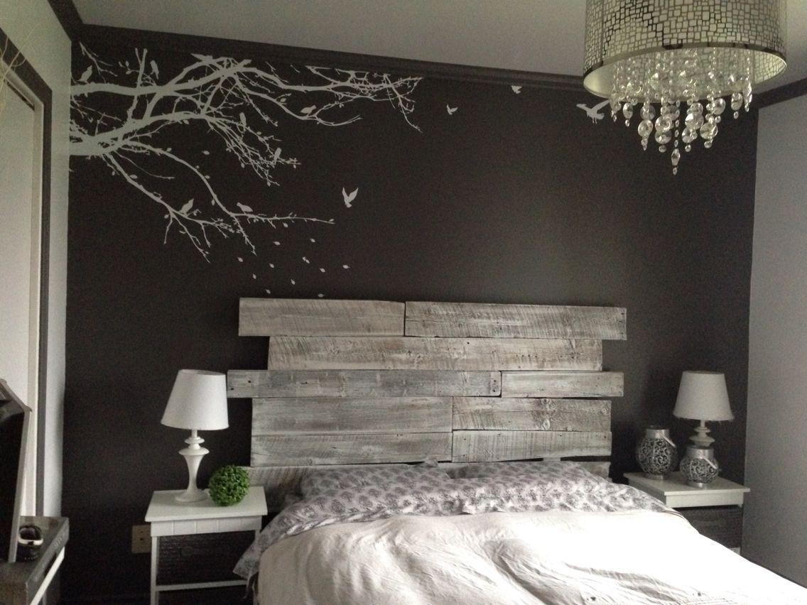 Tête de lit en bois de grange  Diseño interior de dormitorio