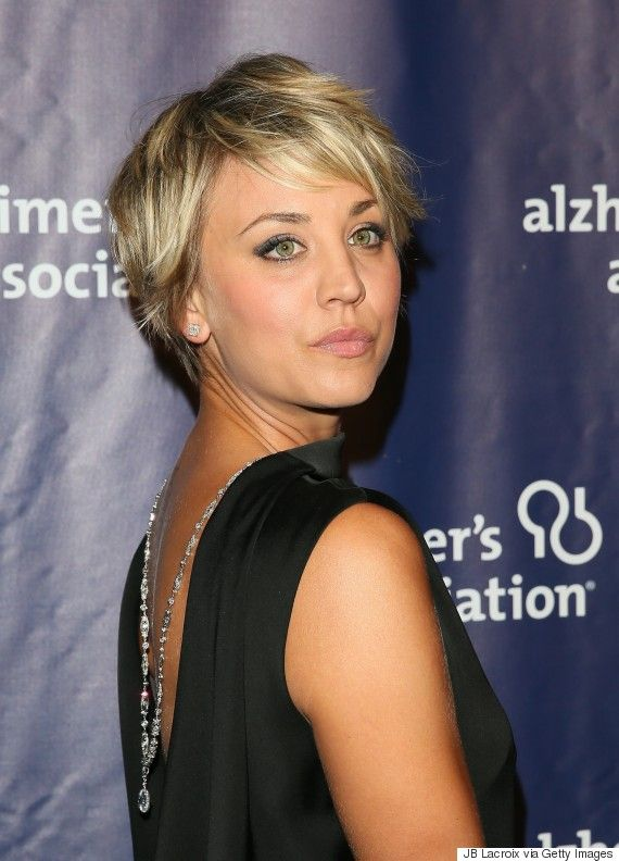 Kaley Cuocos Hair Is Long Again Thanks To Extensions Cuoco In 2018 Pinterest Short Styles And