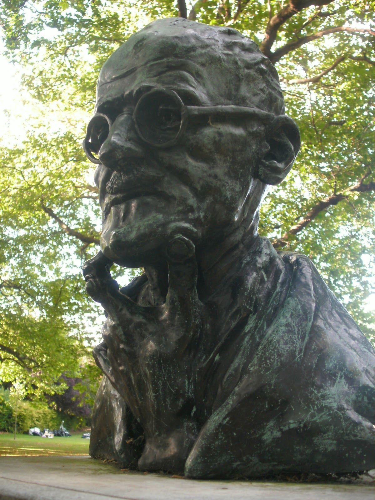 Sculpture of James Joyce........St. Stephen's Green, Dublin, Ireland