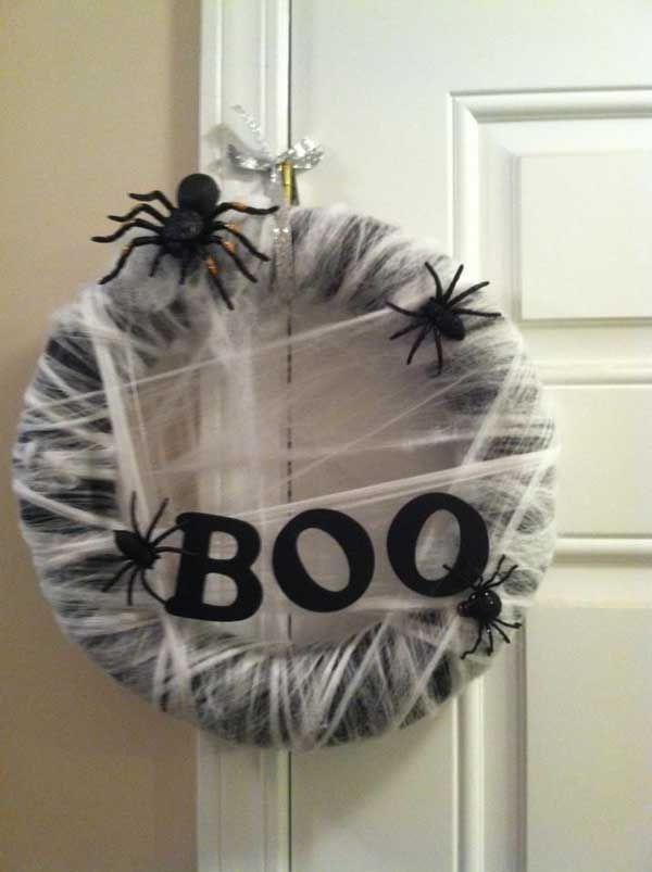 22 Handmade Ideas For Spooky Halloween Wreaths Awesome Design