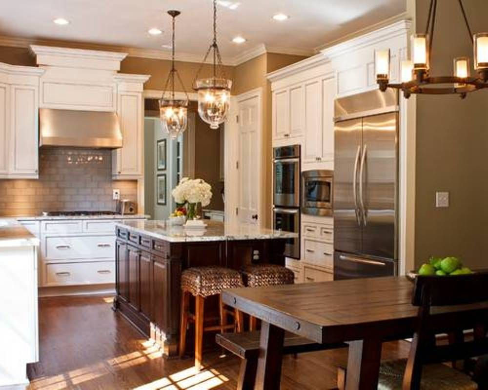 Elegant Tuscan Themed Kitchen Island I Like The Light Fixtures And Contrast In Cab