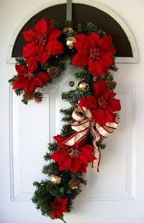 Aprende c mo decorar tu puerta en esta navidad haciendo for Arreglos navidenos para puertas