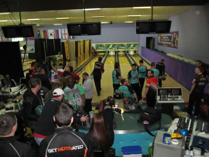 Practice area at thunder bowl lanes