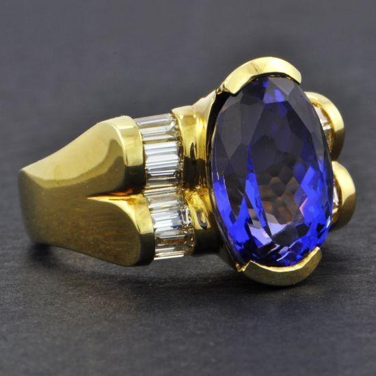Tanzanite and Diamond Ring | Perry's Fine Antique & Estate Jewelry