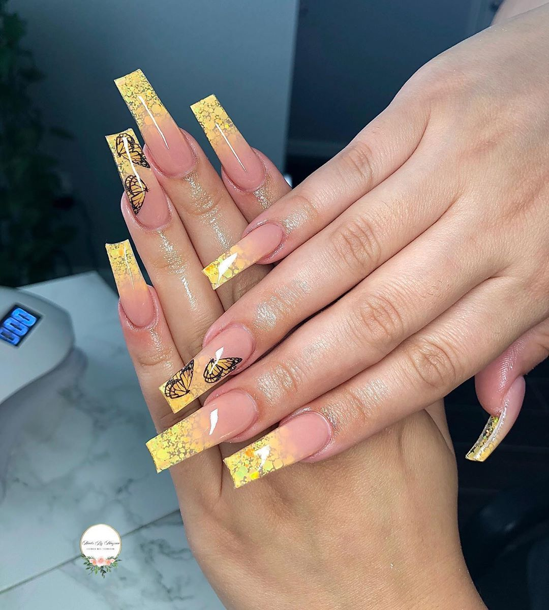 "Licensed Nail Tech🇲🇽 21💖 on Instagram: ""Sweet like honey 🍯🍯💛 Butteries & glitter (summer pack) from @secret.nail.affair use code MAYRA10 at checkout 😉  . . .…"""
