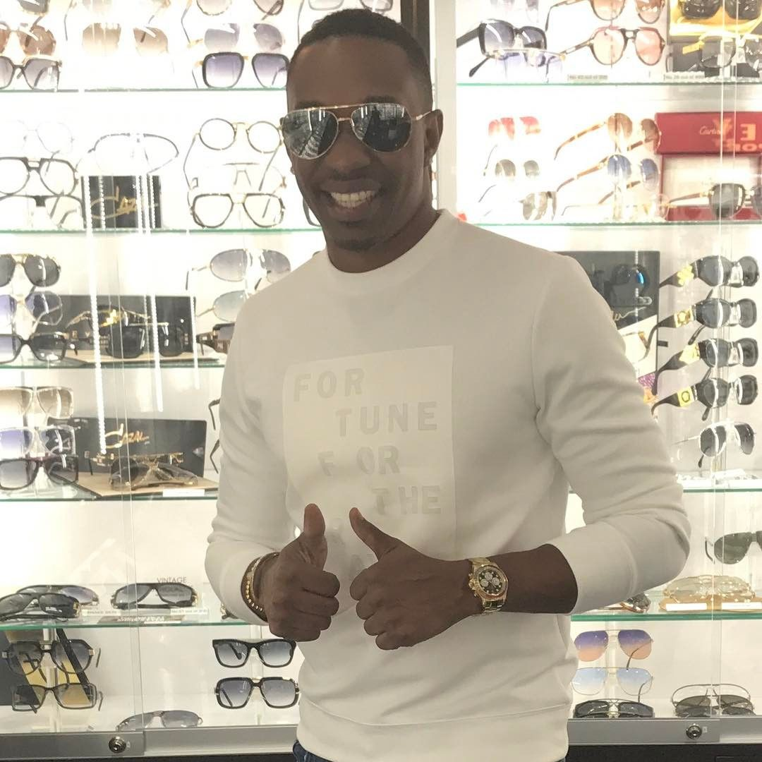 Only miami u could pull up @oceanmoda 1:30am an get some nice #DITA shades #champion #1 #djbravo