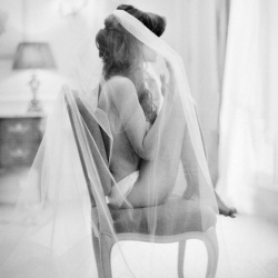 beautiful and intimate getting ready shot