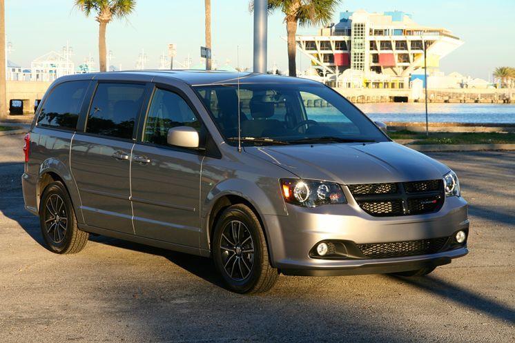 2014 Dodge Caravan Sxt Is This Summer S Must Have Roadtrip Vehicle