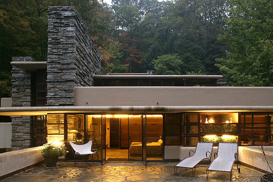 patio fallingwater frank lloyd wright dream frank lloyd wright architektur einfamilienhaus. Black Bedroom Furniture Sets. Home Design Ideas