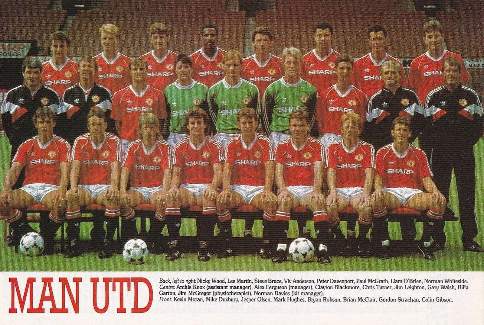 Man Utd Football Team Photo 1988 89 Season Manchester United Team Manchester United Football Manchester United