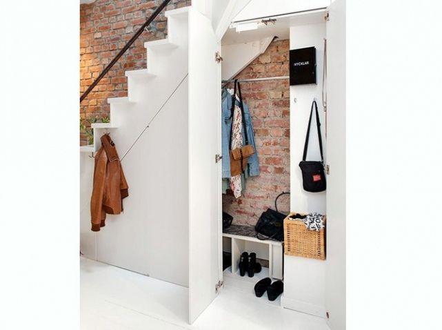 15 id es de dressings pour un petit appartement deco escalier pinterest sous escalier. Black Bedroom Furniture Sets. Home Design Ideas
