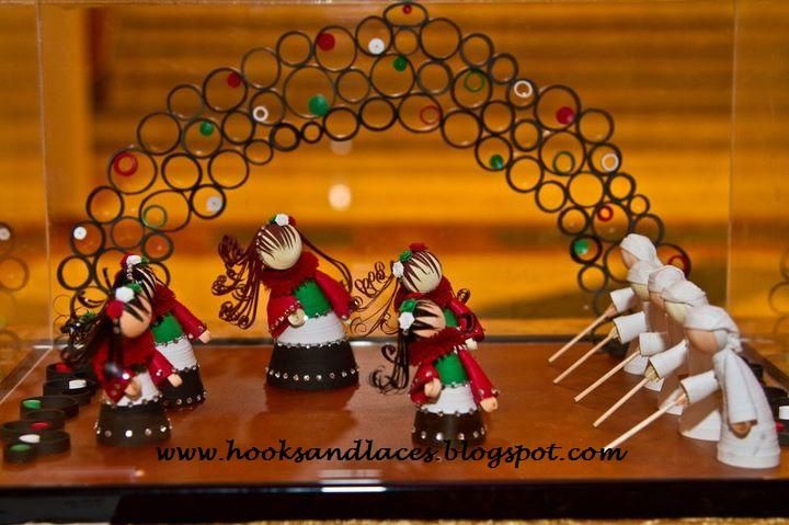 Hooks And Laces: 3d paper quilling