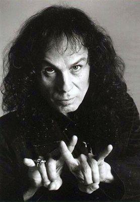 Resultado de imagem para Ronnie James Dio preto e branco