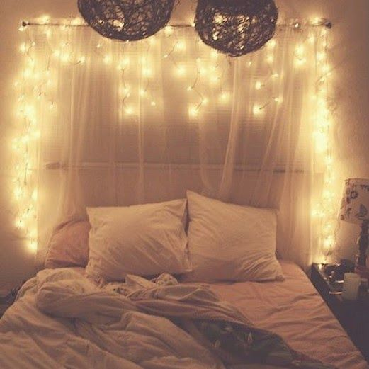 I'm Kinda Obsessed With Fairy Lights Headboard, I Want To