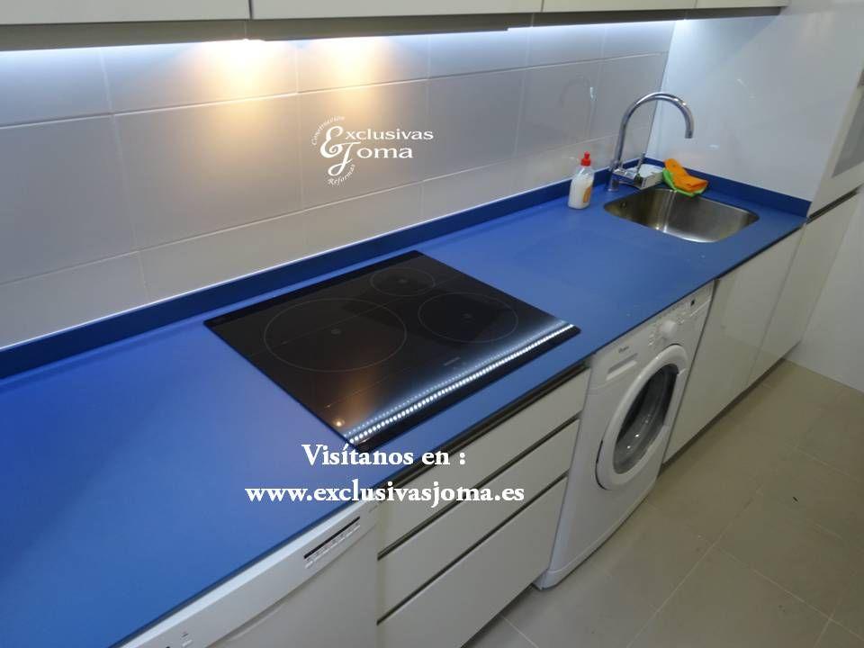 Realizaci n de proyecto de cocina en 3d hecho realidad for Deco de cocina azul blanco