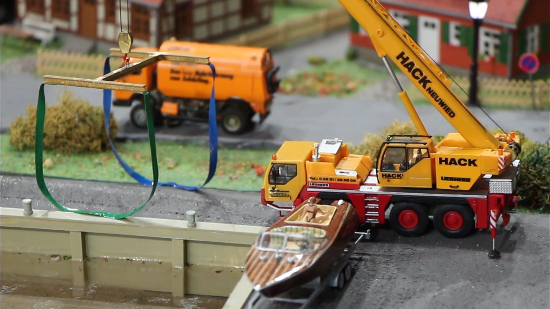 mikromodellbau 1 87 rc truck crane lifting boat rc. Black Bedroom Furniture Sets. Home Design Ideas