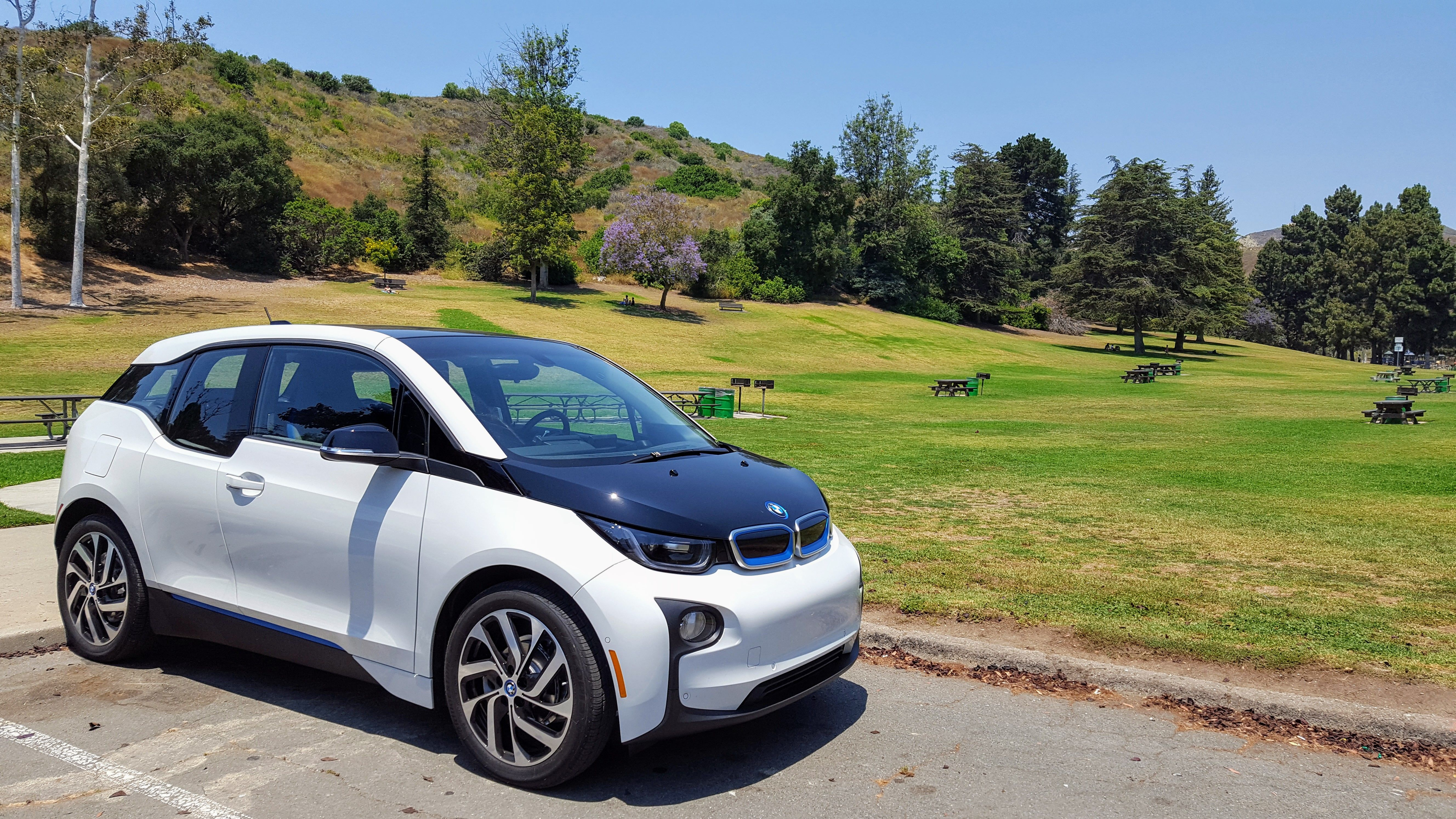 wikimedia file car commons electric bmw charging wiki