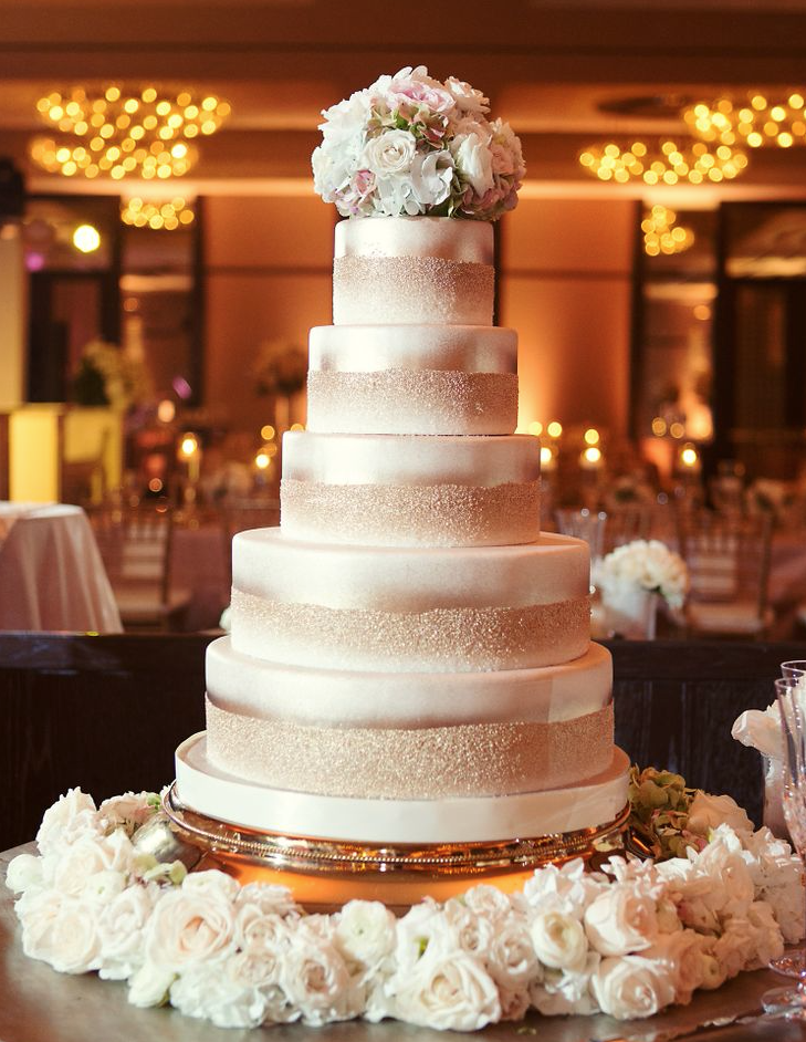 20 most jaw droppingly beautiful wedding cakes of 2013 to for Amazing wedding cake decoration game