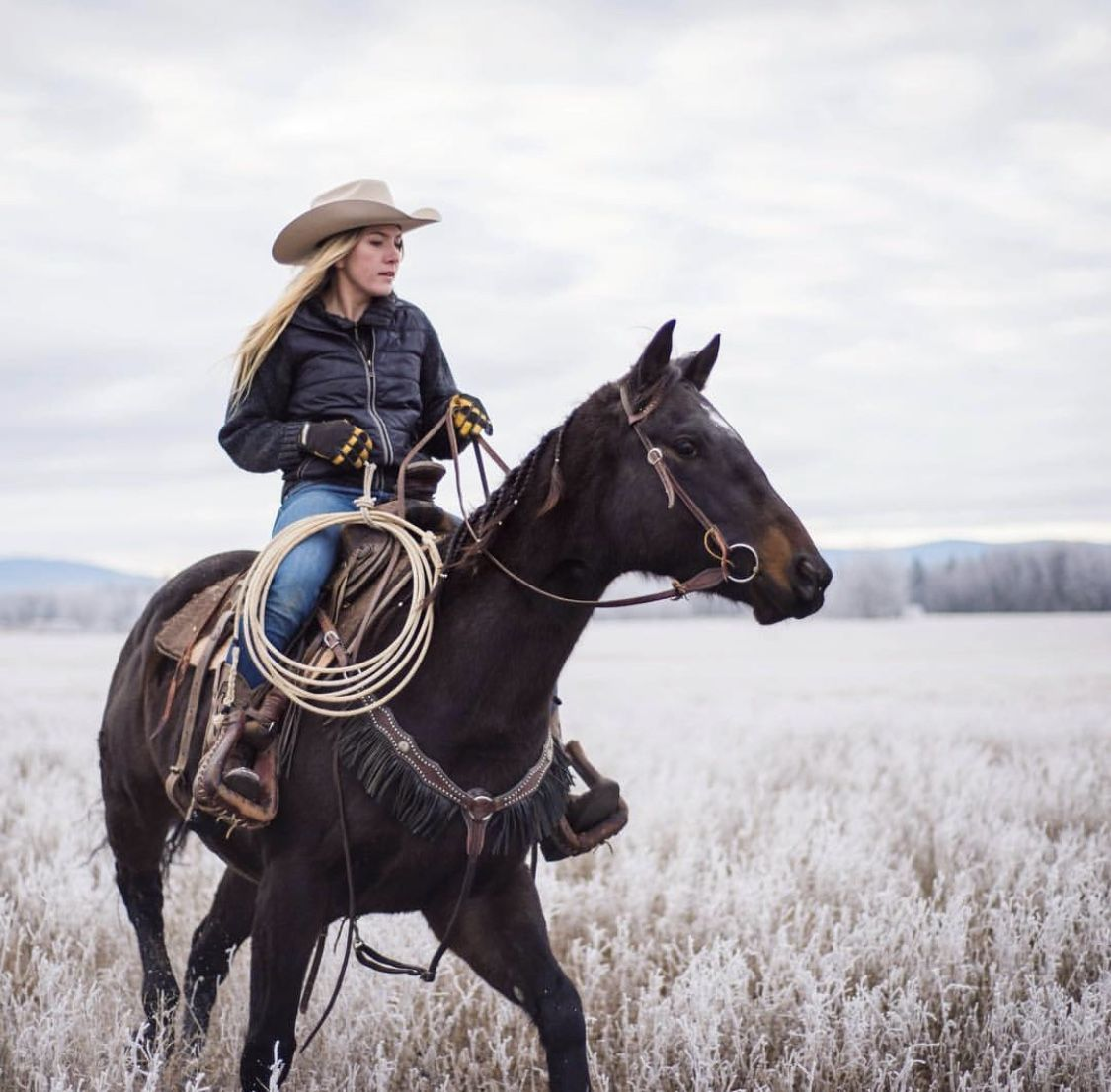 I'm that girl in God's new world. I will travel by horseback EVERYWHERE #cowboysandcowgirls