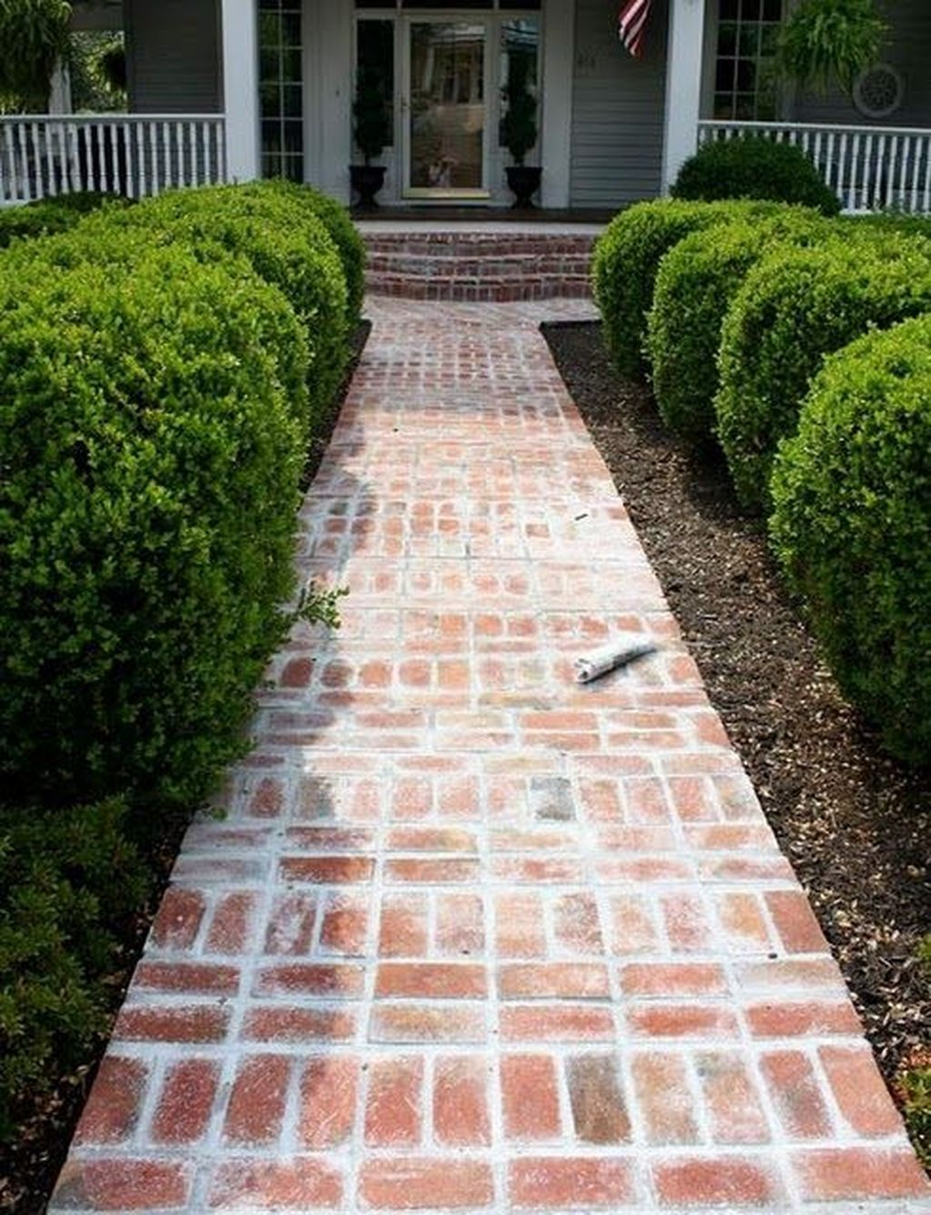 20 Stunning Front Yard Path Walkway