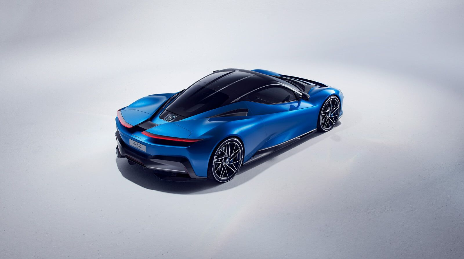 Pininfarina S 1 900 Hp Electric Supercar Is The Future We Want Auto