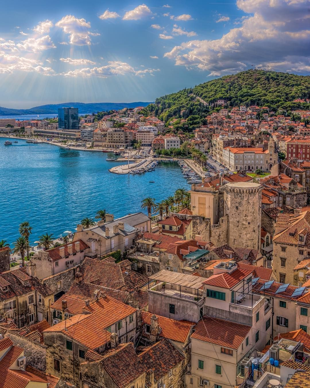 Split Croatia Great Photo By Cdfrith1 Croatia Hrvatska Dubrovnik Split Makarska Zagreb Za Croatia Beach Travel And Tourism Places To Visit