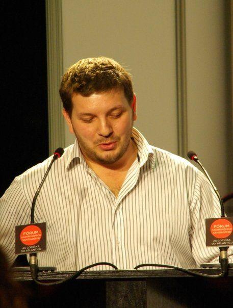Taller Cocinas de Ida y Vuelta (Galicia/América) con el cocinero Gonzalo R. Rei (rest. El Mercadito, Santiago). Forum Gastronómico de Santiago, 2008.