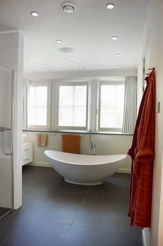 beautiful bathroom with jasno shutters via our dealer van oort interieurs uit uden