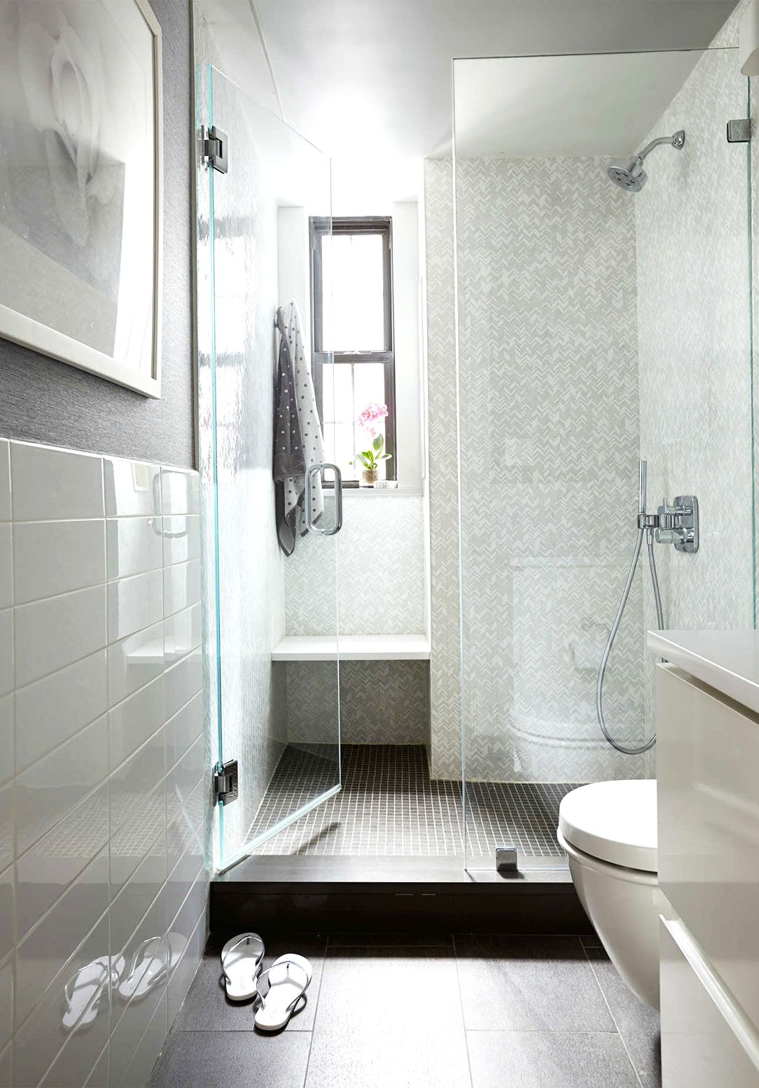 Before and After: A Drab NYC Apartment Gets a Mod Makeover | Shower ...