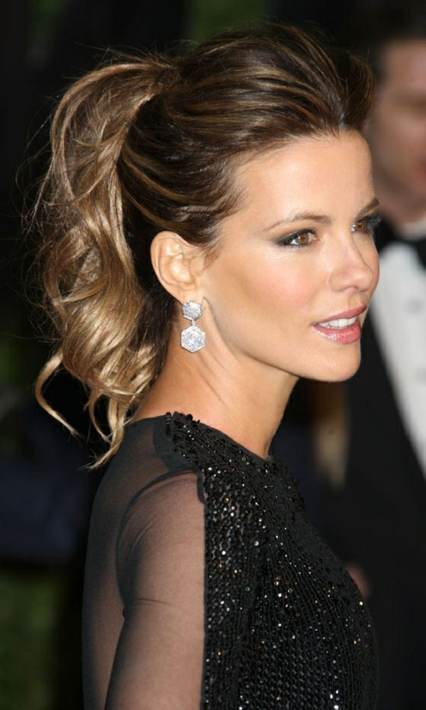 top knot updo   Kurze Haare Elegante Frisur   Alice Blog
