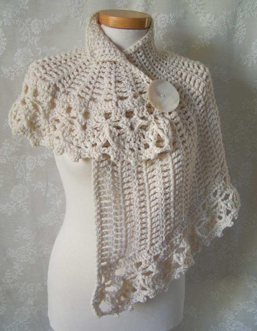 White asymmetrical capelet Crochet pattern PDF por Berniolie ...