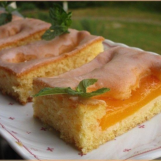 Pfirsich - Kirsch - Blechkuchen von easy-kochwurm | Chefkoch