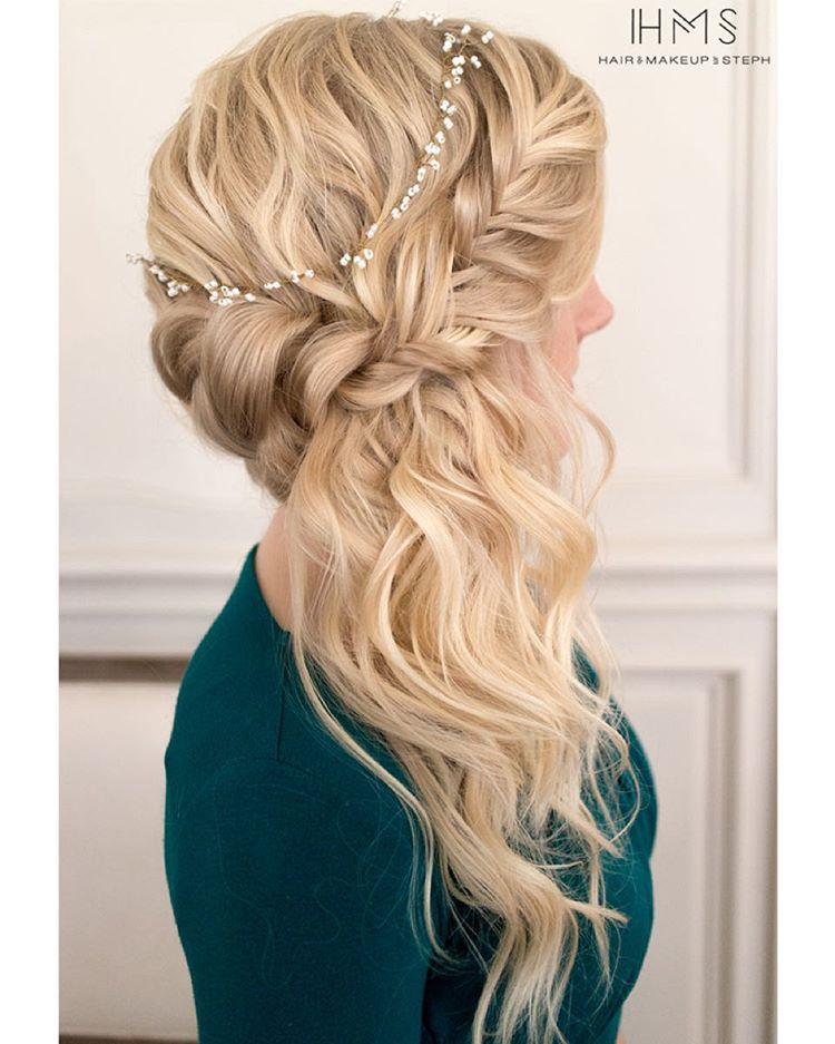 Side Swept Wedding Hair: Beachy Side Swept Style. #hairandmakeupbysteph