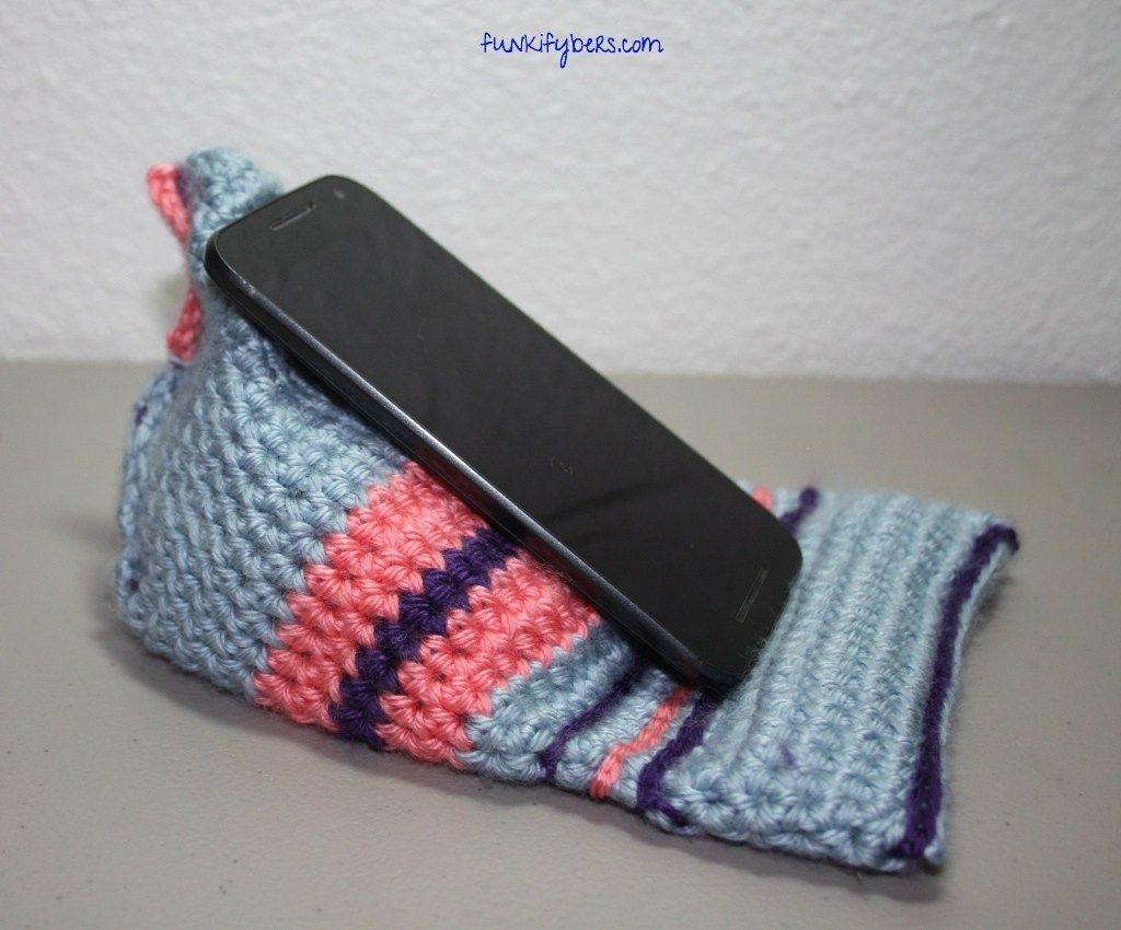 Crochet Mobile Phone Wedge - free pattern at FunkiFybers. | crochet ...