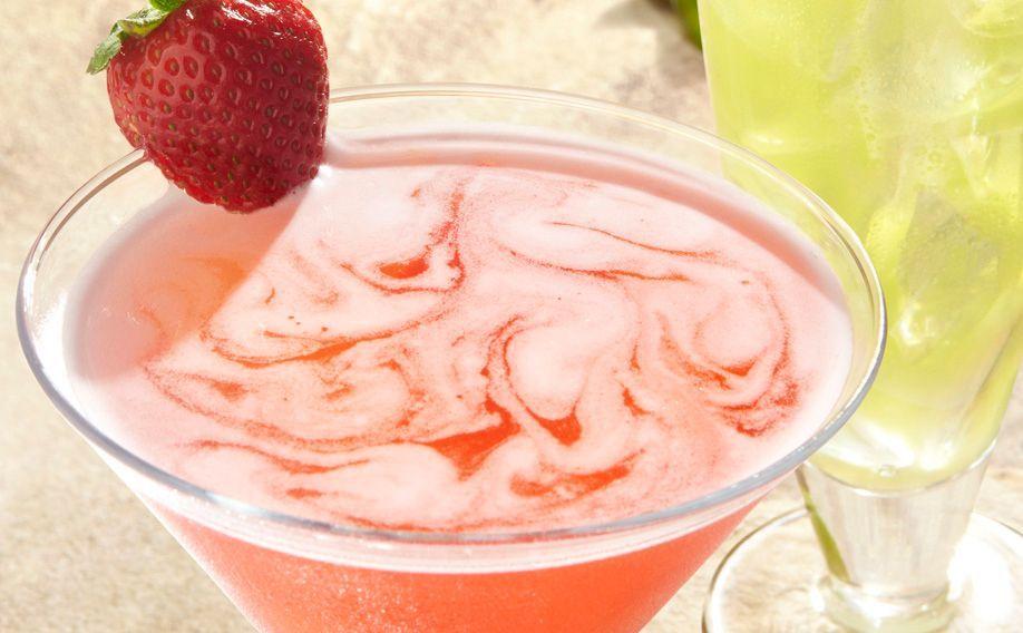 Skinny Strawberry Lemon Martini Strawberry martini, Food