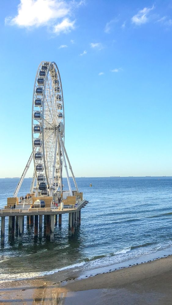 The ferris wheel on the pier of the Scheveningen Beach in the Hague is one of a kind in Europe!