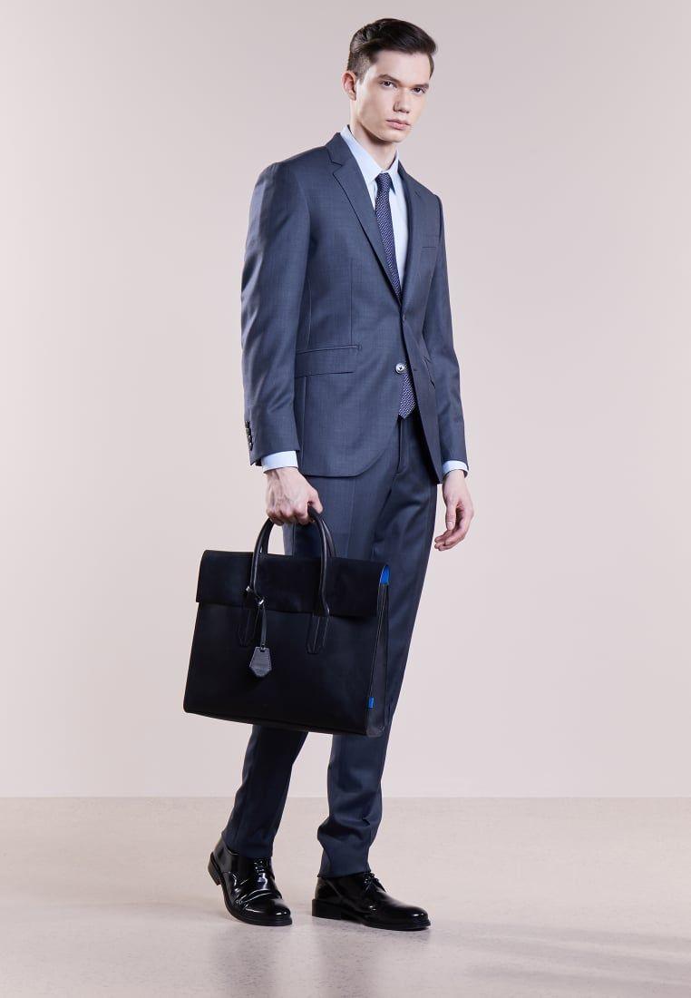 ¡Consigue este tipo de traje de Hackett London ahora! Haz clic para ver los bb7cdc2620d