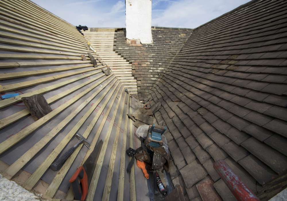 Visit Tbaynesroofing Com And Get Details For Affordable And Reliable Roofing Services In Dartford Including Roof Repair Roof Repair Roofing Roofing Specialists