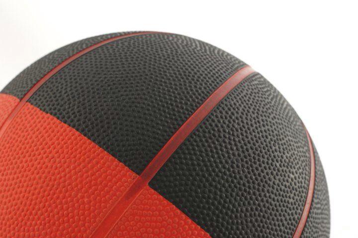 Miesten ja naisten koripallo ja sporttis-kerhot