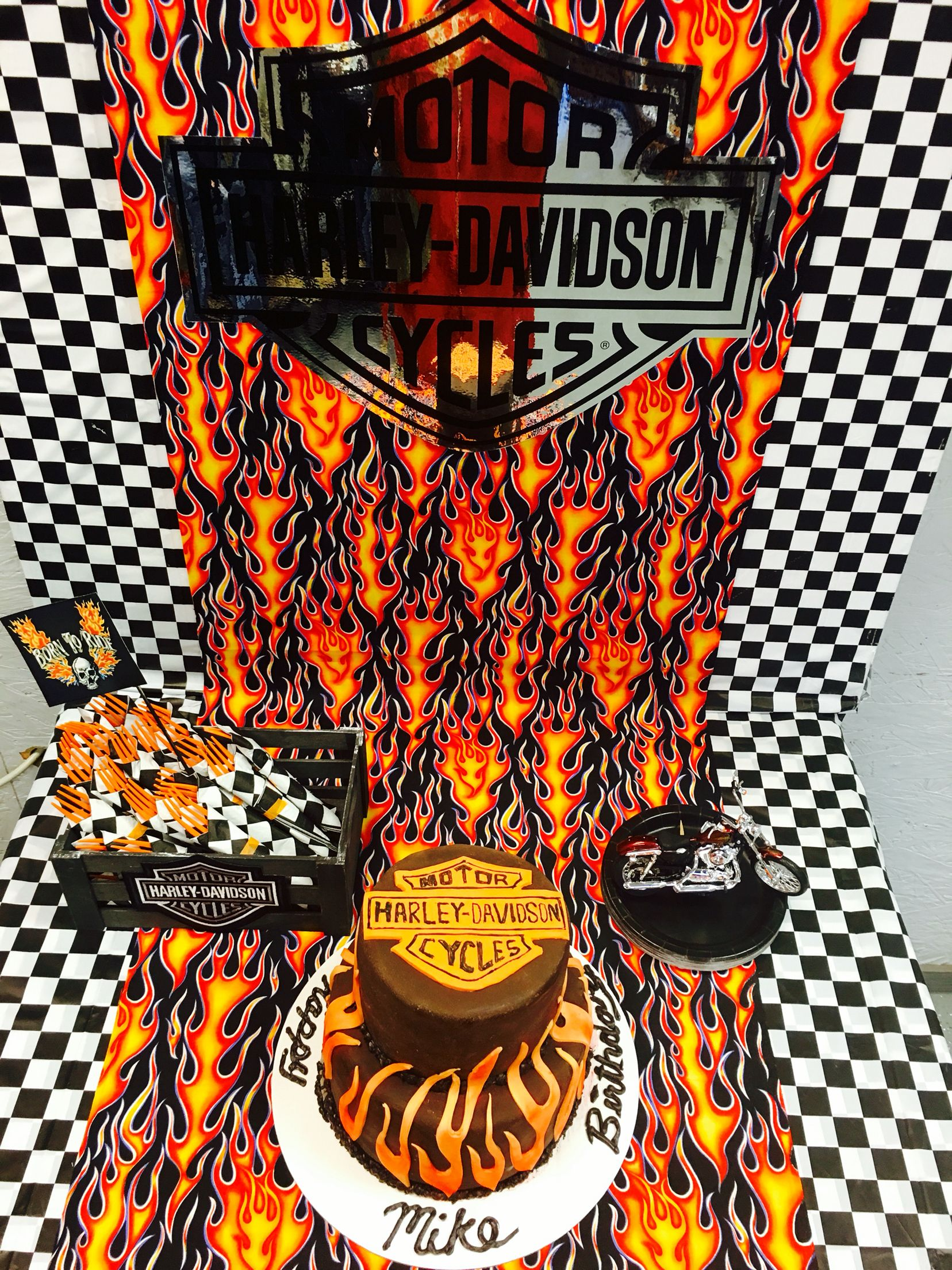 Harley Davidson Party Decorations Wwwfacebookcom Beautifuleventsco Harley Davidson Themed Party