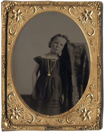 Artistic-1860s-Quarter-Plate-of-Young-Girl-w-Gilded-Jewelry