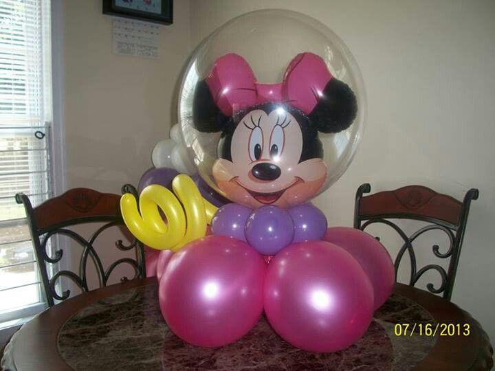 Minnie Mouse table centerpiece