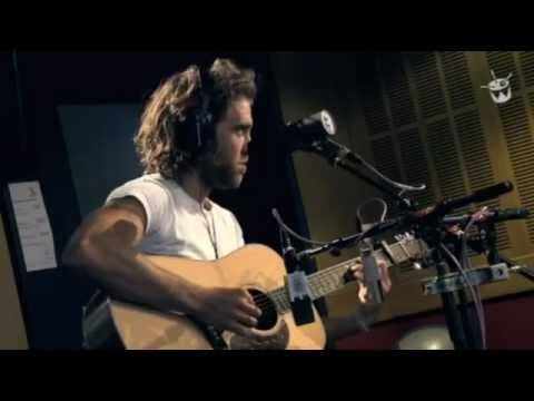 To Me Australian Singer Matt Corby Is The Best Male Voice Of Our Generation I Am So Freaking Impressed By Him Matt Corby Brother Matt Corby Music Heals