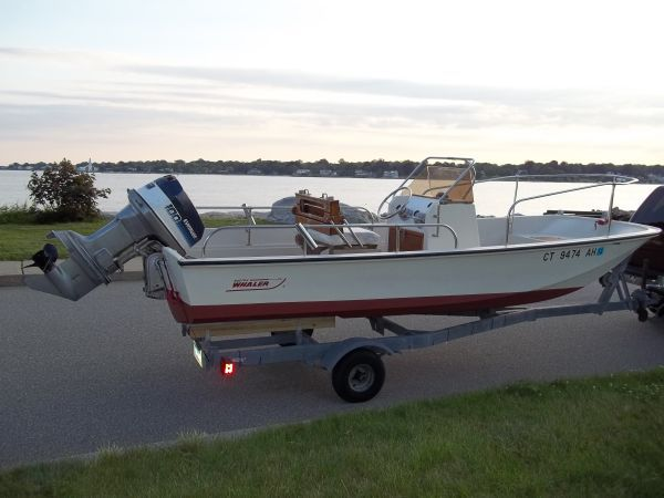 17' 1975 Boston Whaler Montauk Center Console. Hull is in
