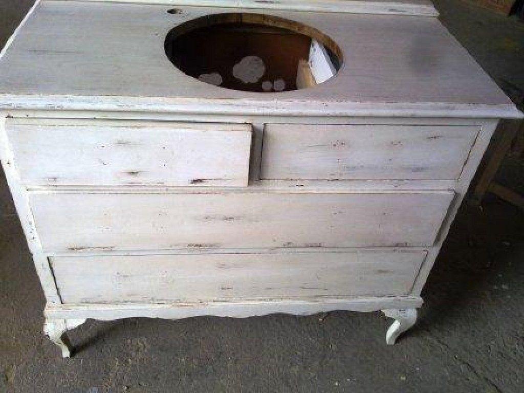 Muebles de ba o hecho con muebles antiguos buscar con - Muebles antiguos restaurados ...