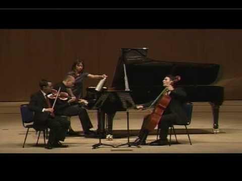 ▶ Piazzolla: Invierno porteno (Winter) Piano trio - YouTube