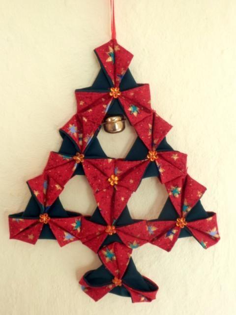 e5b5c8d75 Stromček, Vianočné dekorácie - inšpirácie a nápady. Skladaný stromček s  látkových trojuholníkov, dvojaká