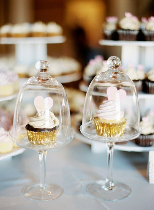 Individual Cupcake Stand With Glass, Single Glass Cupcake Stand With Dome