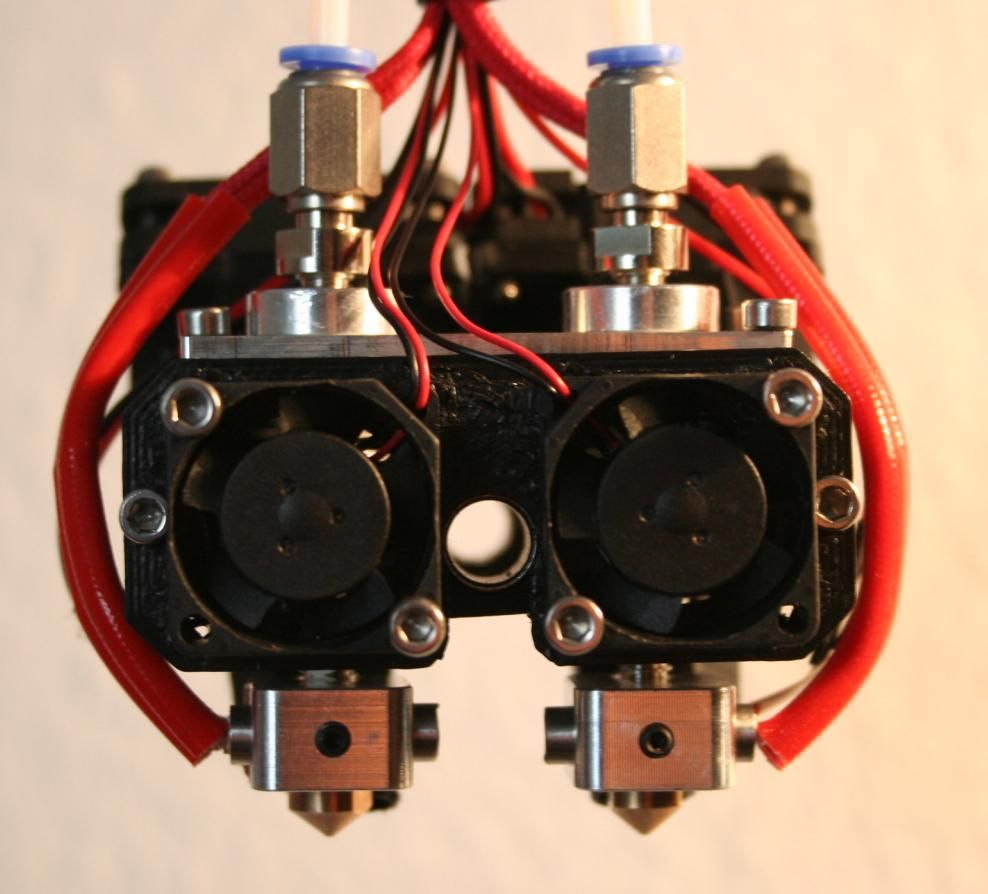 dual bowden extruder carrier for reprap cube 3d printer by